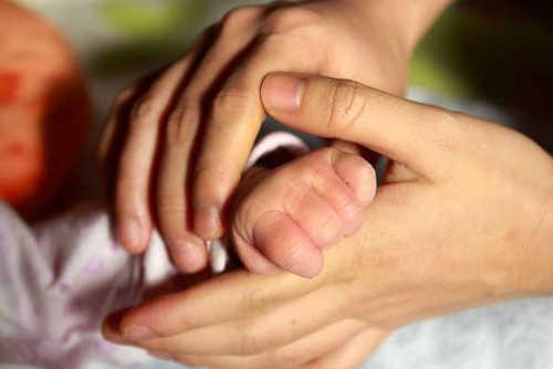 Enfin un congé maternité digne pour les femmes médecins !